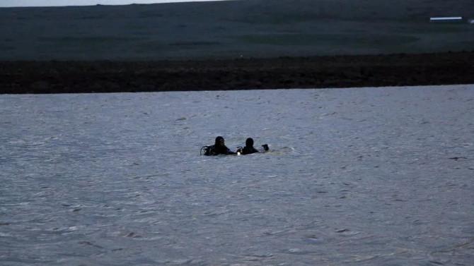 Şanlıurfa'da tekne gölette alabora oldu: 2 kişi aranıyor