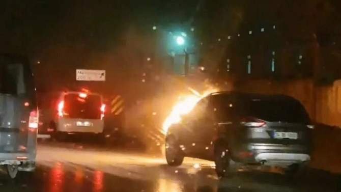 İstanbul trafiğinde alev topuna döndü
