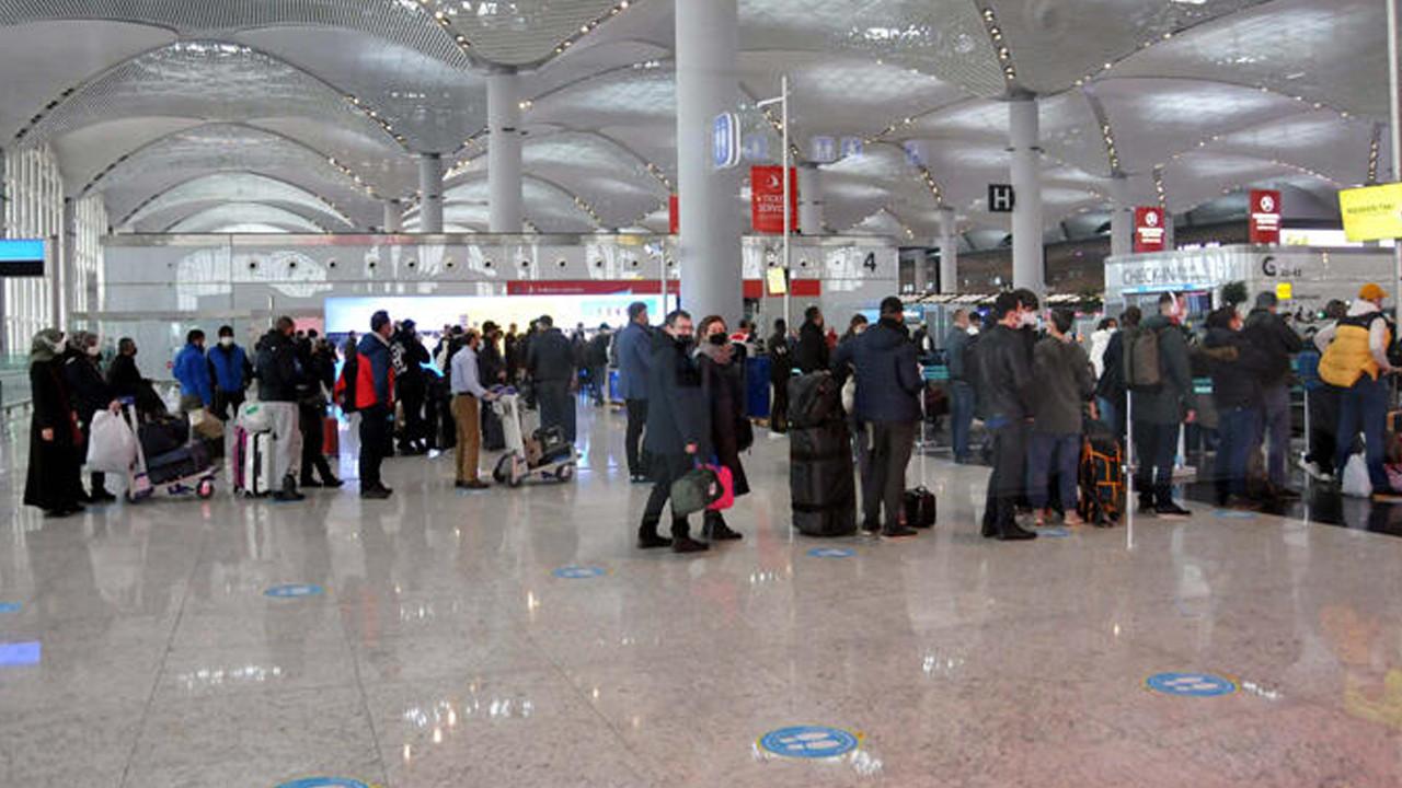Pandeminin en yoğun gününü yaşadı! Tam 81 bin yolcu!