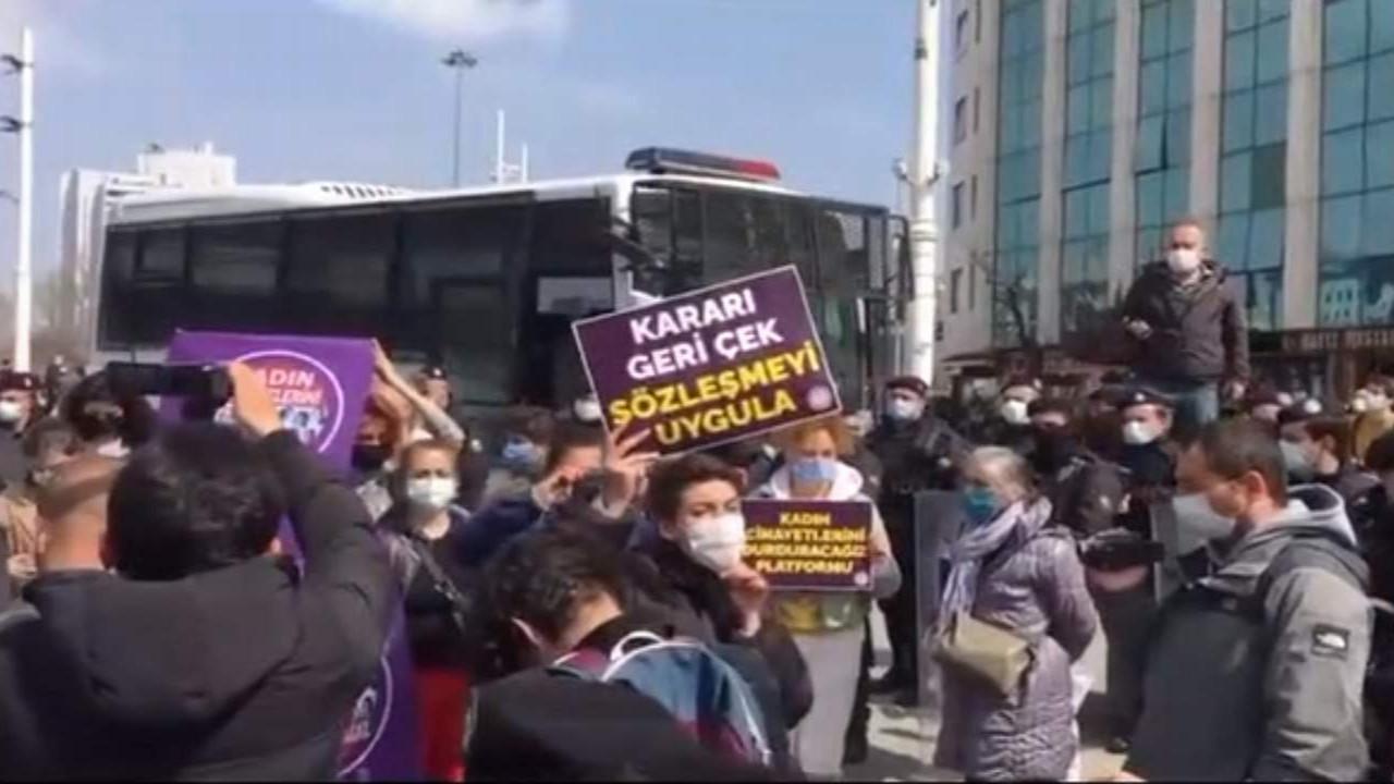 Kadınlar İstanbul Sözleşmesi için yeniden sokağa indi