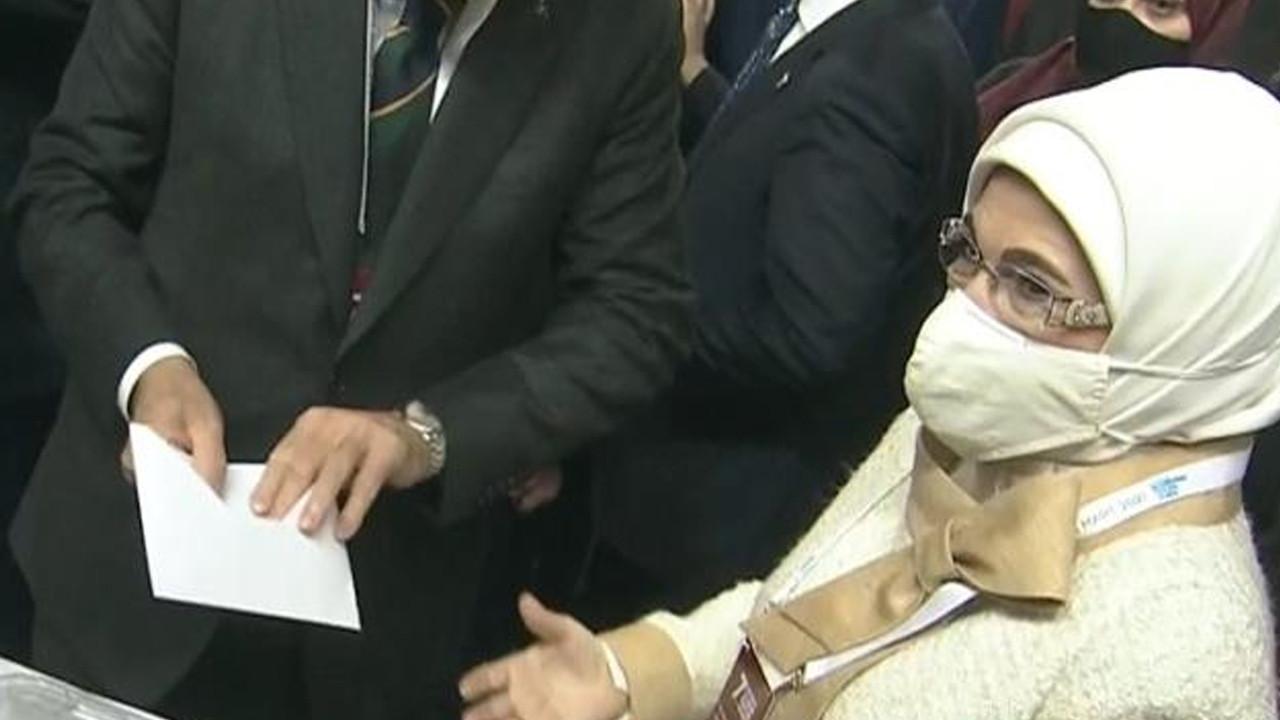 AK Parti kongresinde Emine Erdoğan'ı rahatsız eden olay