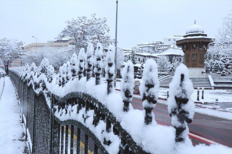 Başkent Ankara da güne bembeyaz uyandı! - Resim: 1