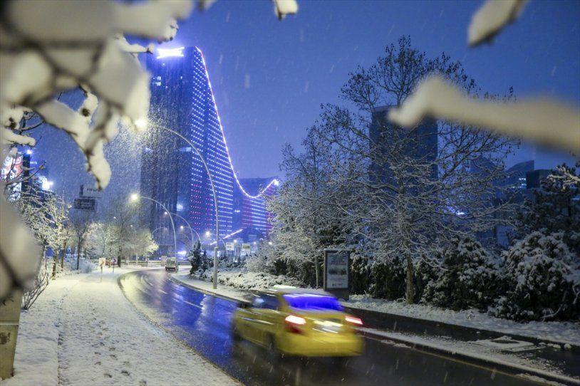 Başkent Ankara da güne bembeyaz uyandı! - Resim: 2