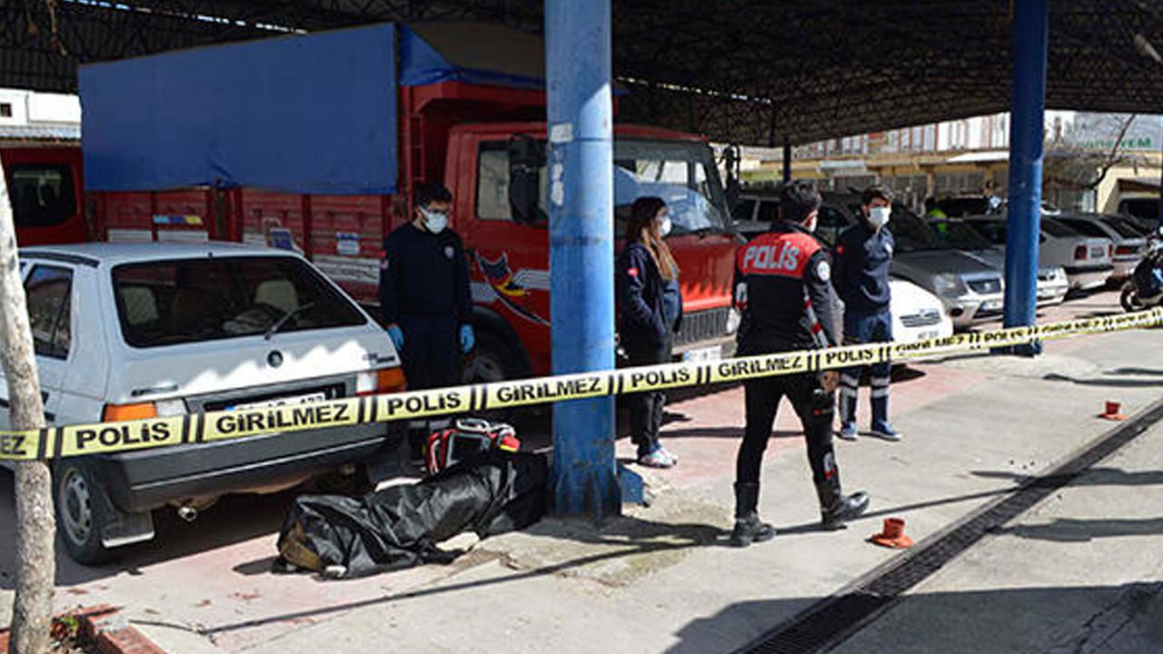 Fotoğraf sanatçısı kaldırımda ölü bulundu