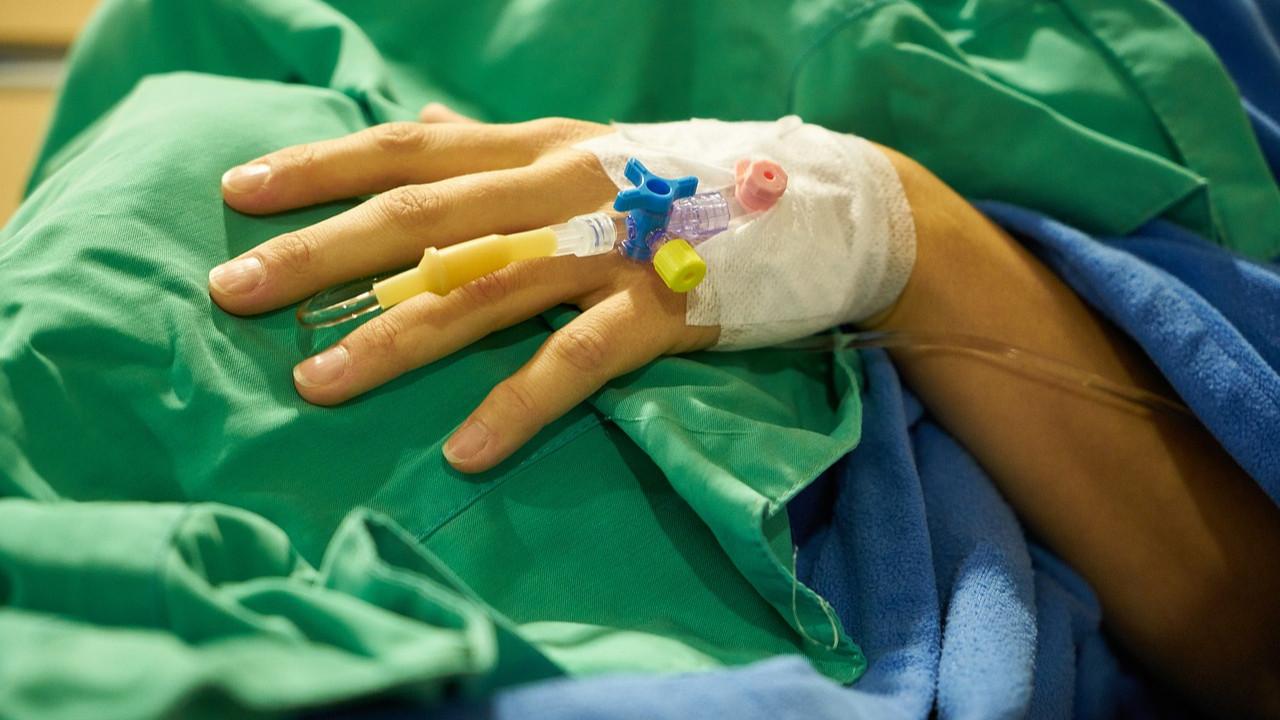 Hastanede skandal! Ameliyatta unuttular, 6 yıl böyle yaşadı!