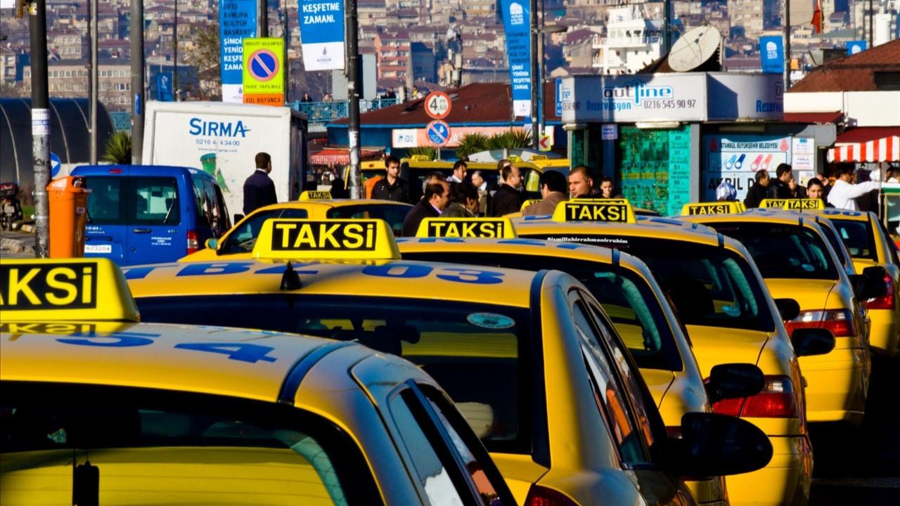 Bakanlık duyurdu: Bu 12 kurala uymayan taksiciler yandı!