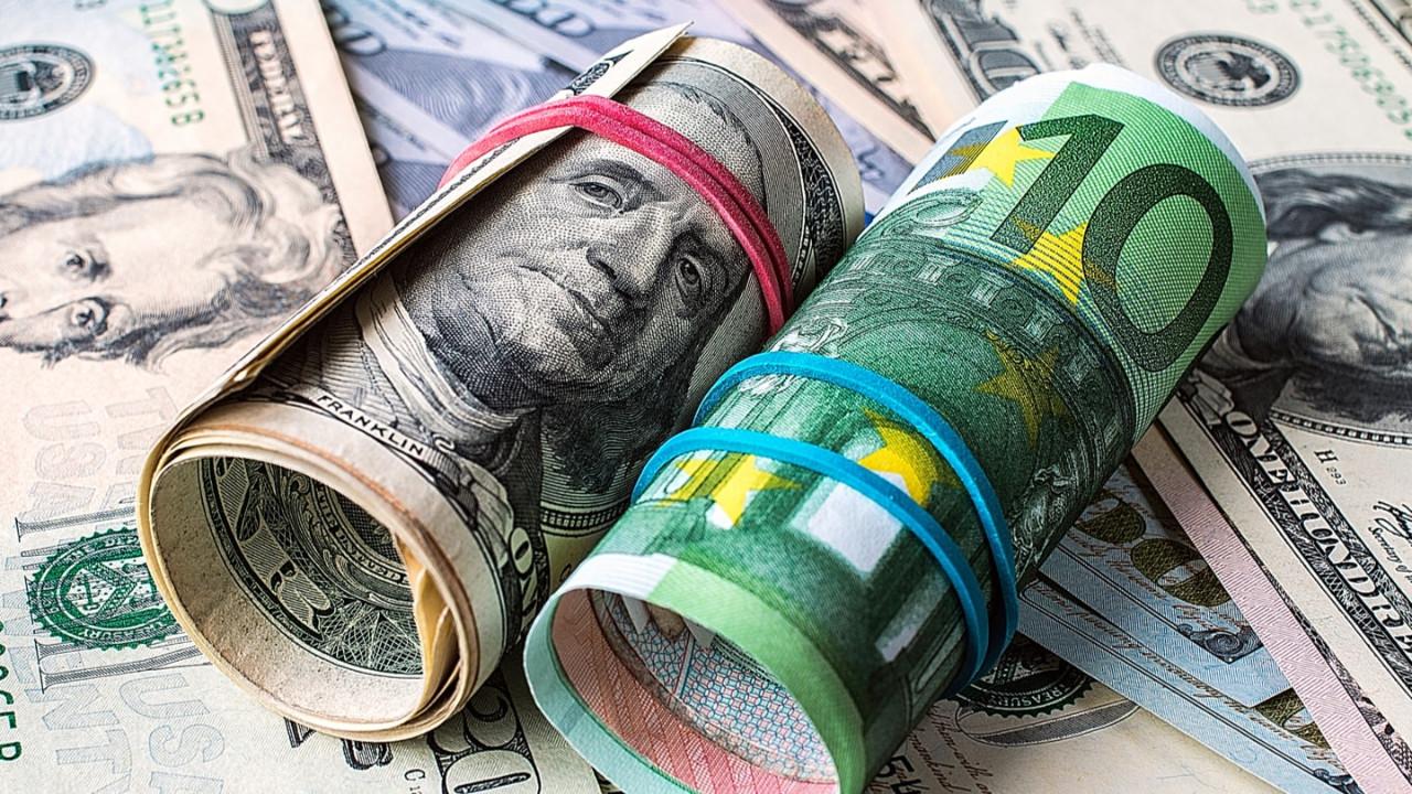Piyasalar bayram dinlemedi... Dolar, Euro ve altın alev aldı
