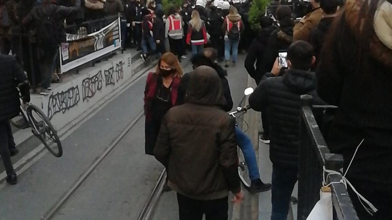 Kadıköy'deki İstanbul Sözleşmesi eylemine polis engeli