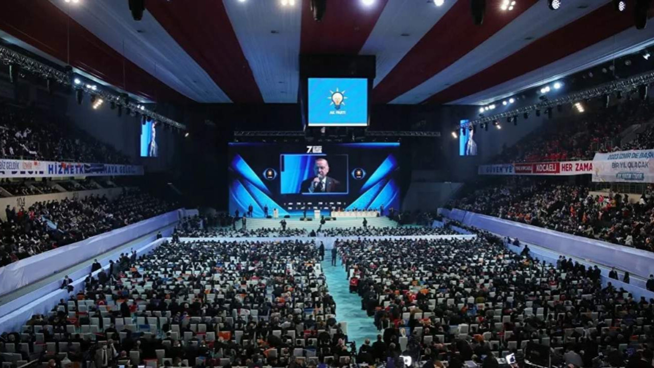 Hilal Kaplan AK Parti'nin ''lebaleb'' kongresini bu sözlerle savundu