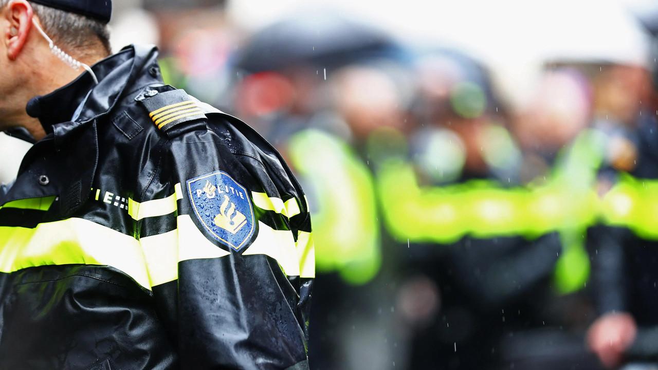 Hollanda polisi Türk halkından özür diledi