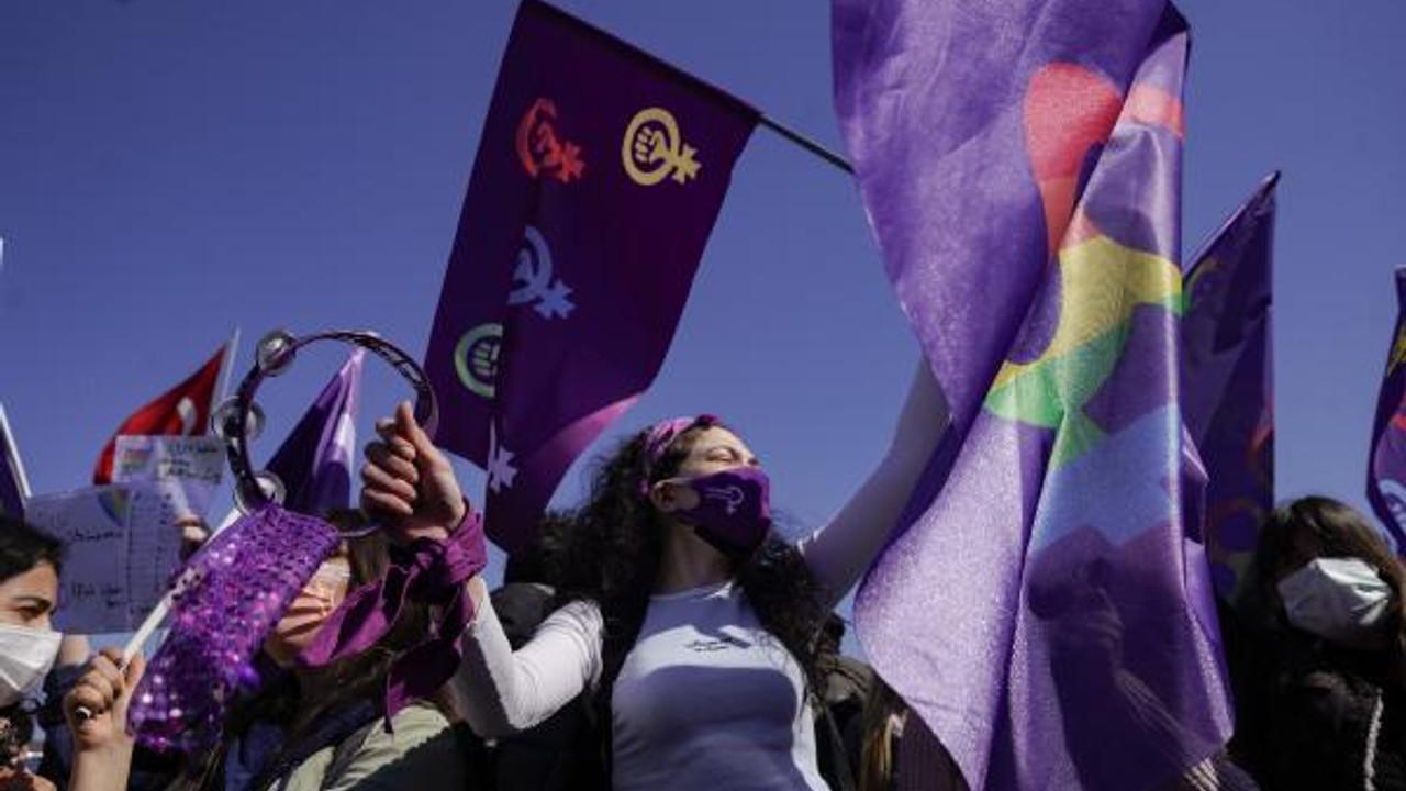 Kadıköy'de ''İstanbul Sözleşmesi'' eylemi