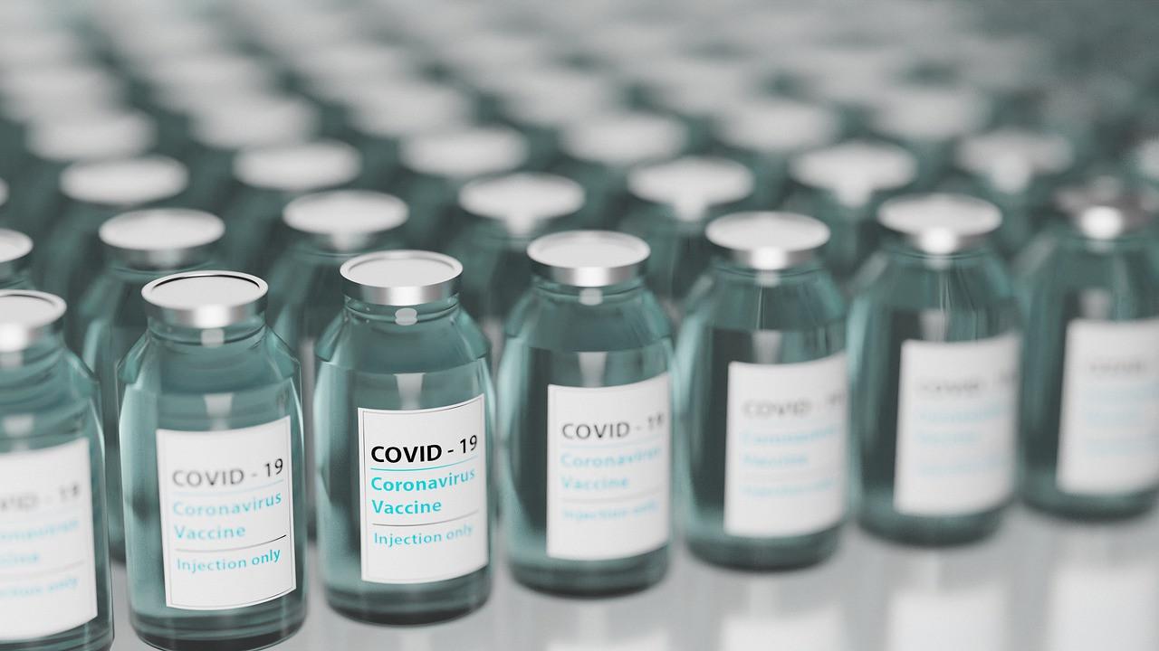 İlk koronavirüs aşı pasaportu uygulaması başladı