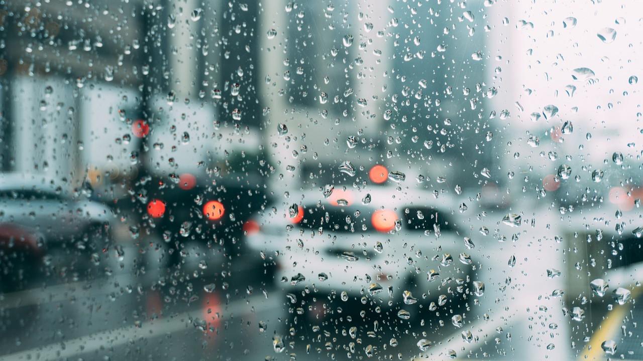 Sağanak yağış fena vuracak! Meteoroloji saat verip uyardı