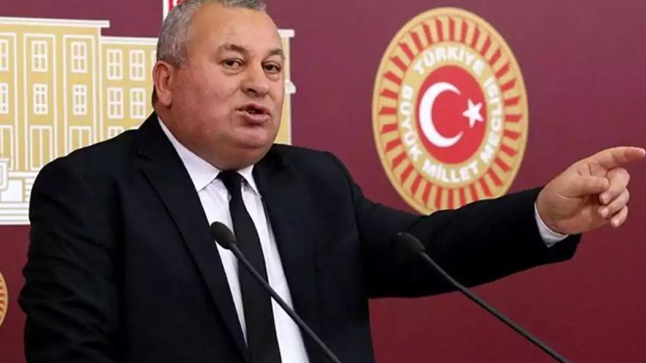 Cemal Enginyurt'tan AK Parti'ye ''pudra şekeri'' tepkisi