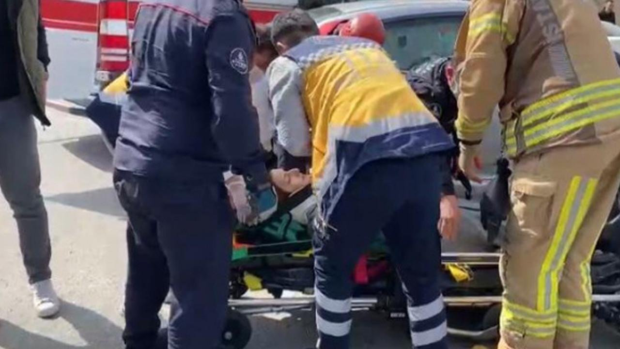 Ataşehir'de ehliyetsiz sürücü, otomobile çarptı: 1 yaralı
