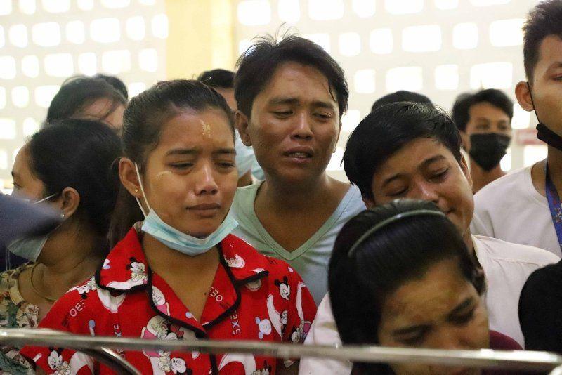 Myanmar'dan buruk cenaze töreni - Resim: 2