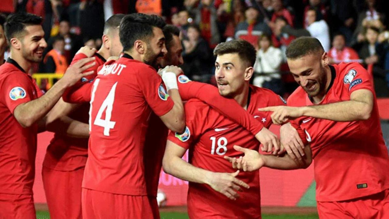 Beşiktaş'ın 2 yıldızı koronavirüse yakalandı! İsimleri de açıklandı