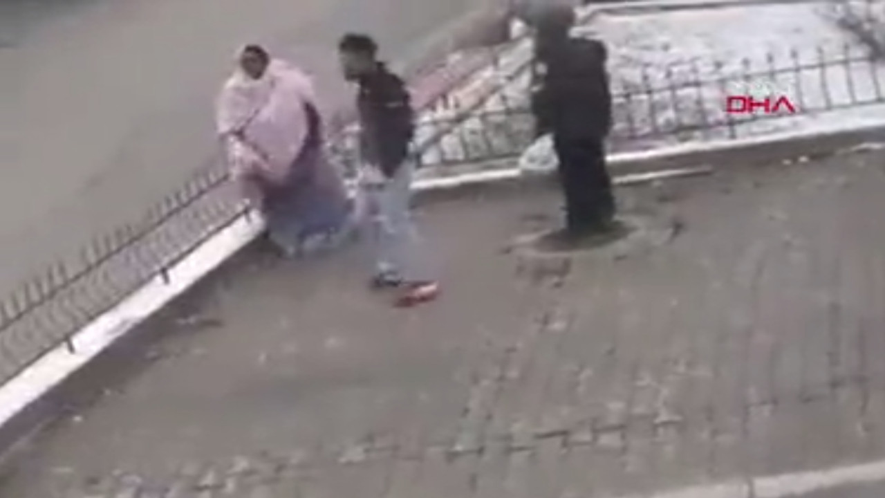 Sokak ortasında kadını döven genç suç makinası çıktı