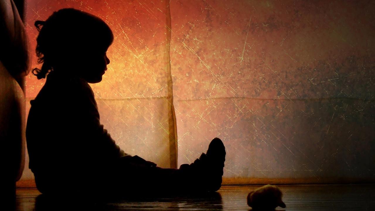 İngiltere'de çocuk istismarı skandalı