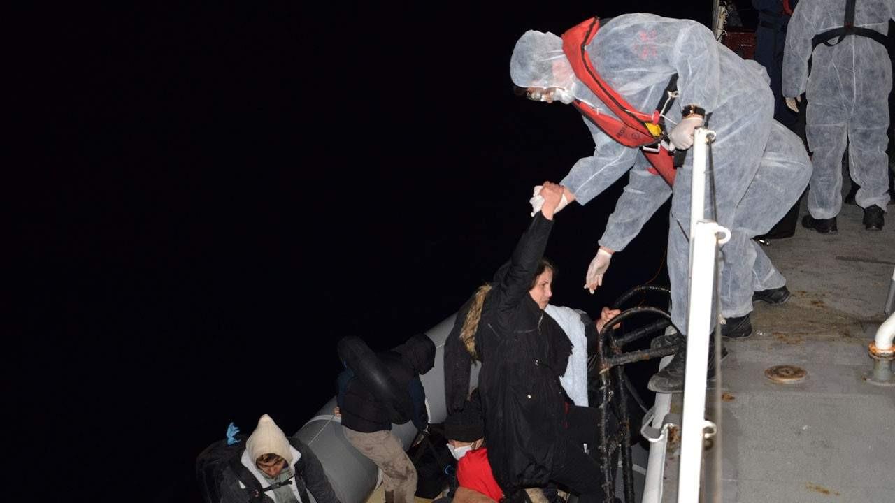 Yunanistan ölüme itti; Türkiye kurtardı! 71 can kurtarıldı