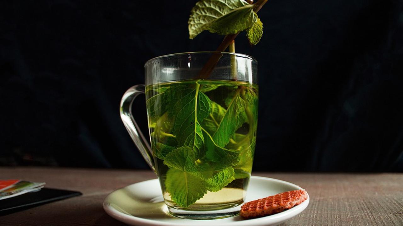 Bilim insanları keşfetti! Koronavirüse karşı yeşil çay