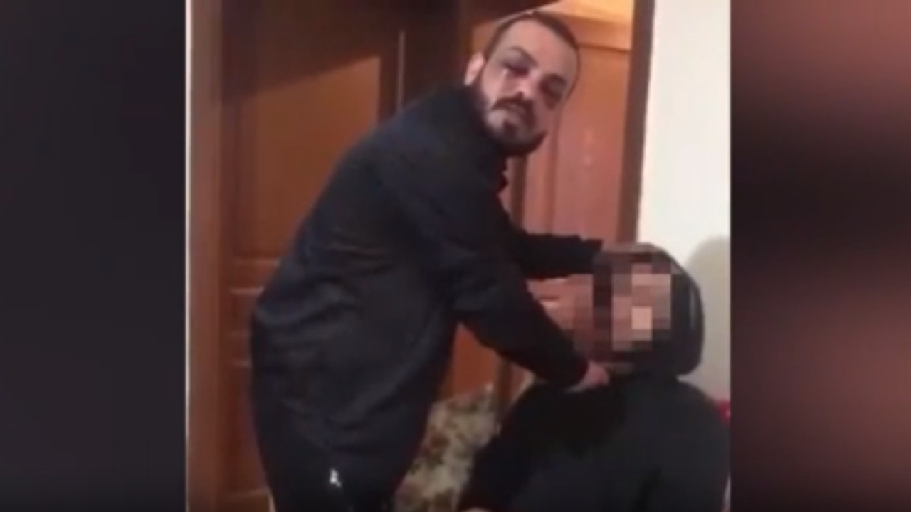 Eski sevgilisinin arkadaşını rehin alıp zorla video çektirdi