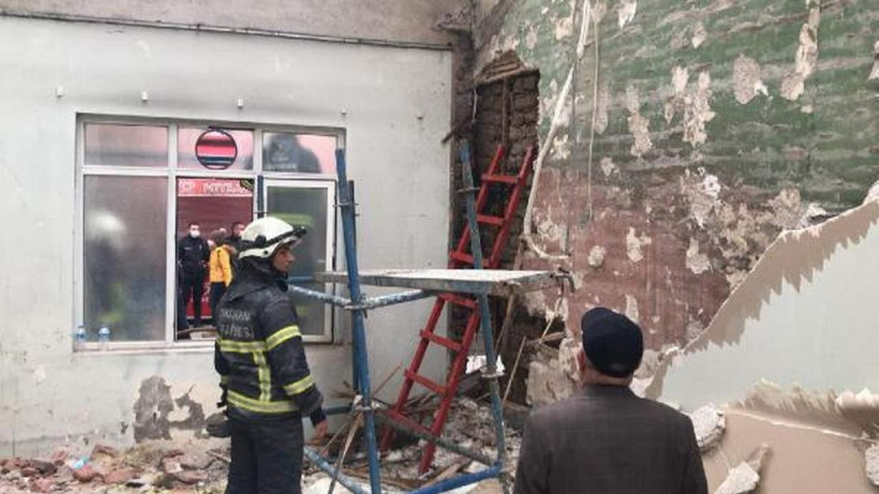 Tarihi camide korkutan yangın