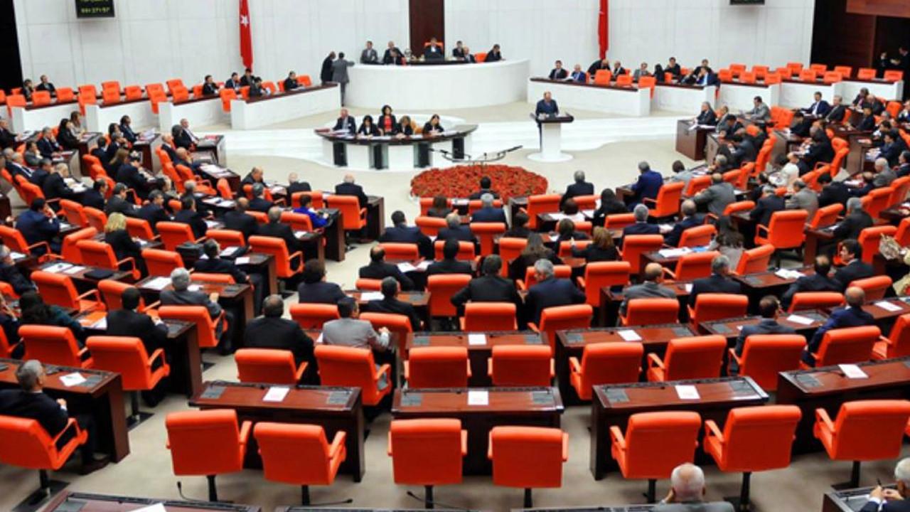 AK Parti'nin ekonomiye ilişkin kanun teklifi TBMM'ye sunuldu