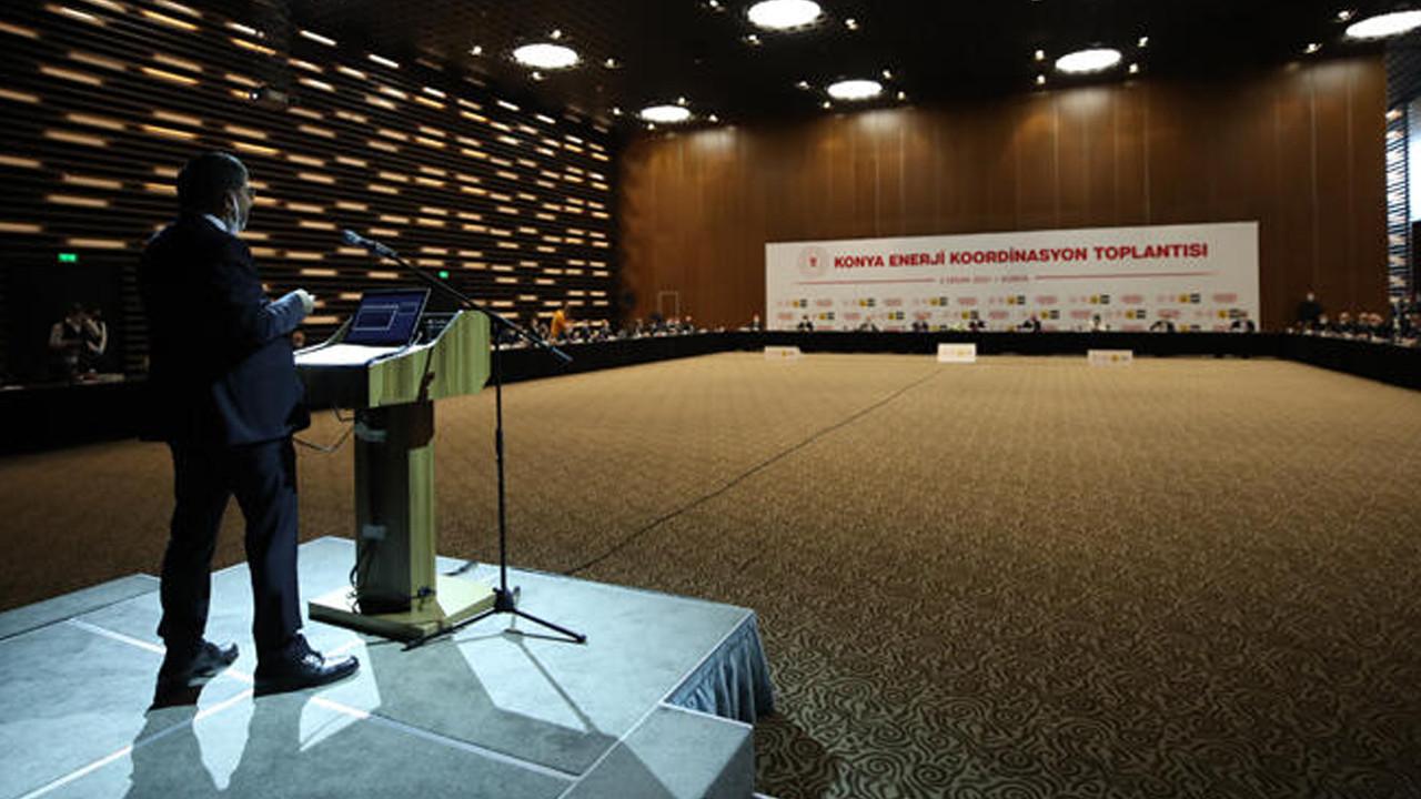 Bakan Dönmez Konya'da gazetecilerin sorularını yanıtladı