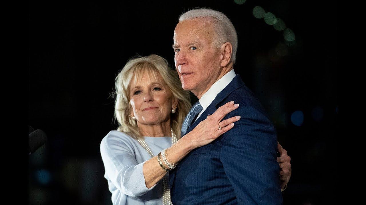Joe Biden'ın eşi hostes oldu