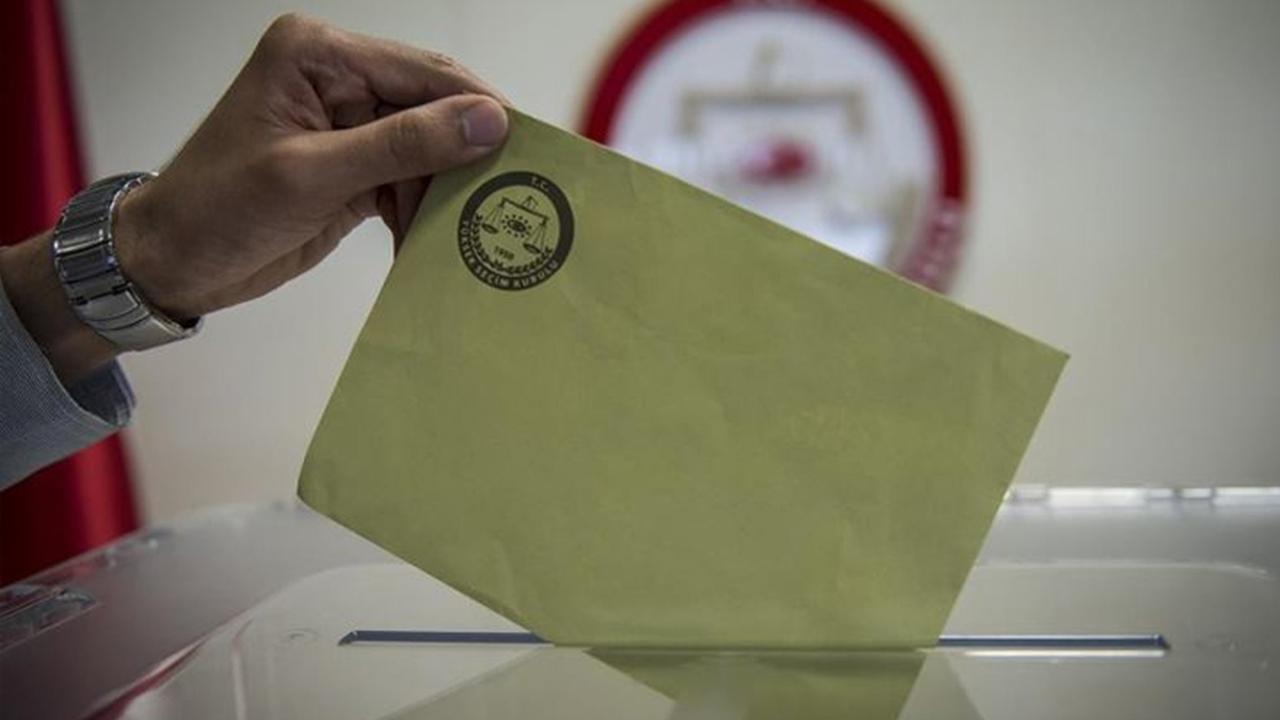 MetroPOLL'ün son anketinde dikkat çeken ''AK Parti'nin kararsızları'' ayrıntısı