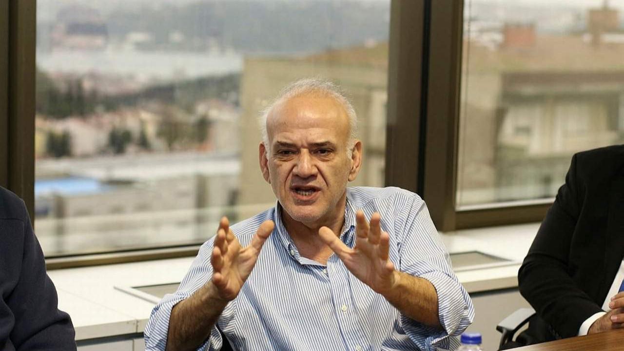 Ahmet Çakar, canlı yayında ''hayırlı olsun'' diyerek duyurdu