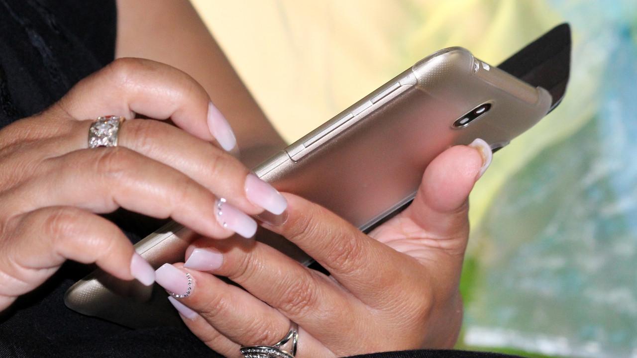 Bu bir devrim ! Cep telefonunuzun şarjı 9 yıl bitmeyecek!