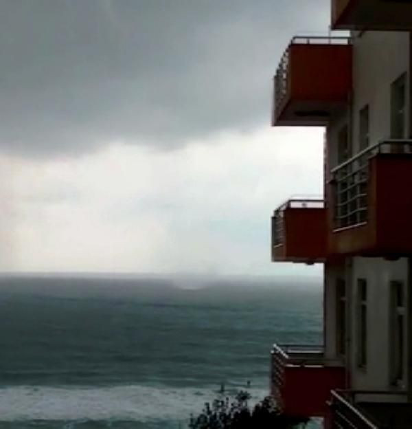 Sinop'ta hortum paniği kamerada - Resim: 3