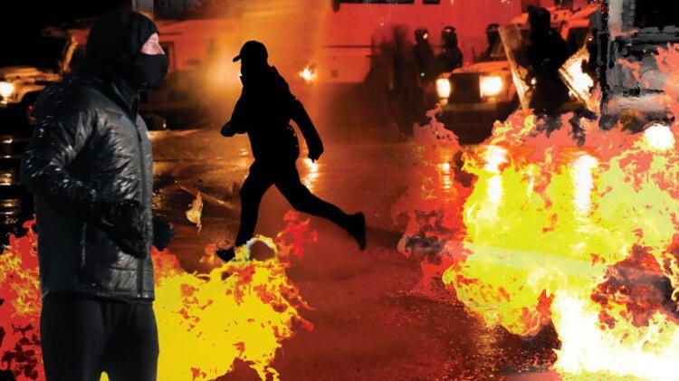 Kuzey İrlanda savaş alanına döndü!! Göstericilere polis müdahalesi - Resim: 1