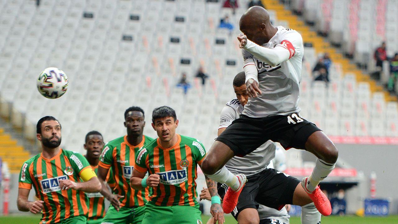 Beşiktaş'tan Atiba için düğmeye bastı