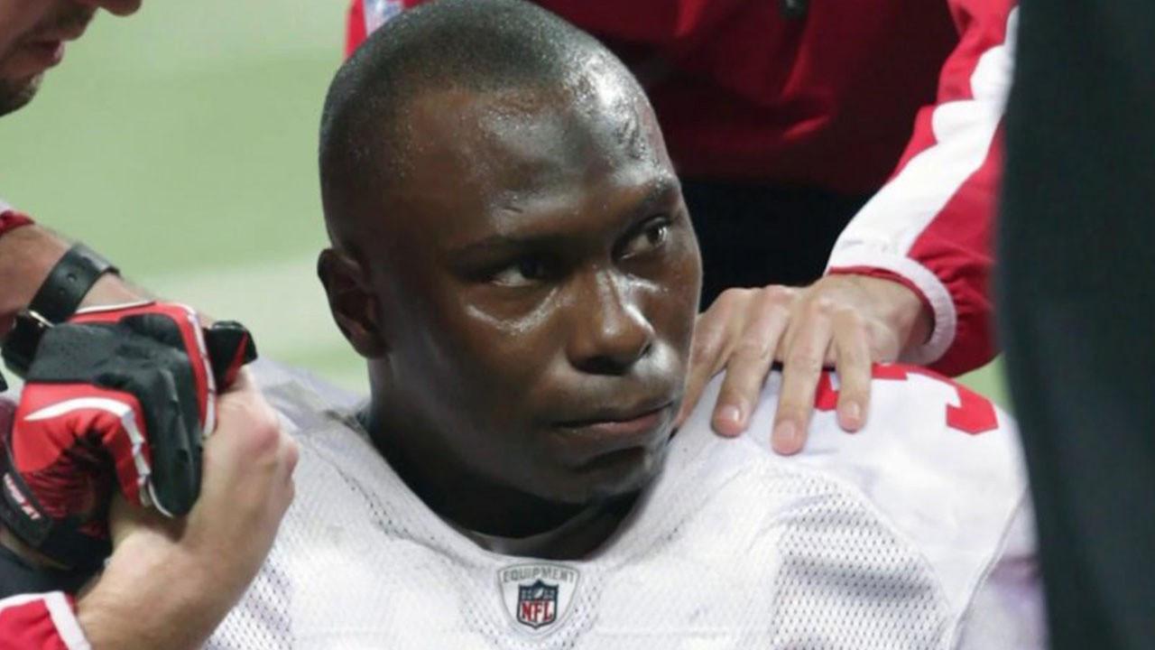NFL'nin yıldızı 5 kişiyi öldürdükten sonra intihar etti