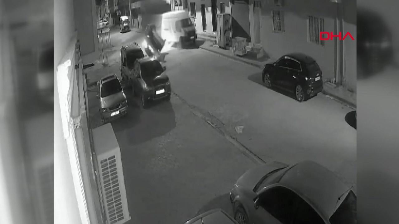 Minibüse çarpan cipin takla atma anı kamerada!