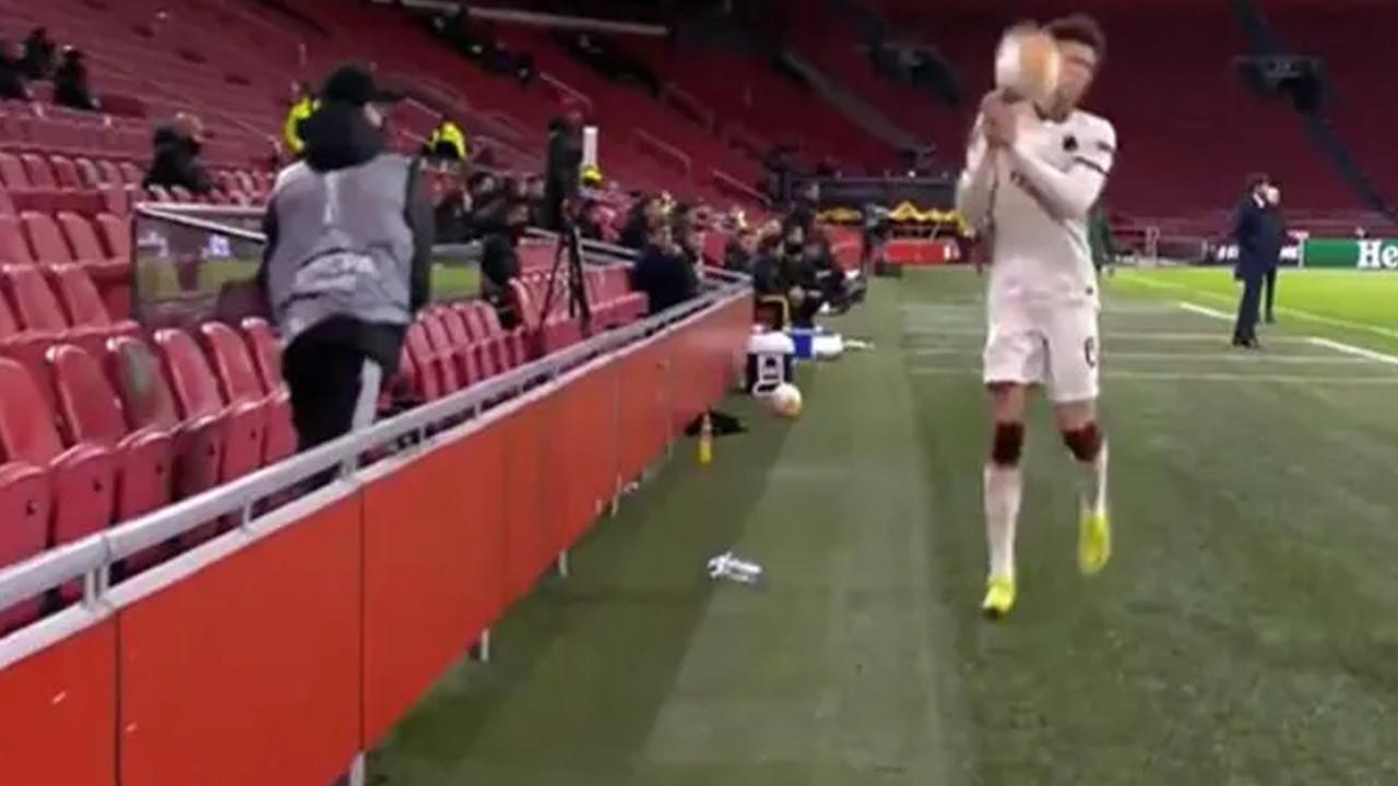 Böylesi görülmedi! Top toplayıcı, yıldız futbolcunun suratına top attı
