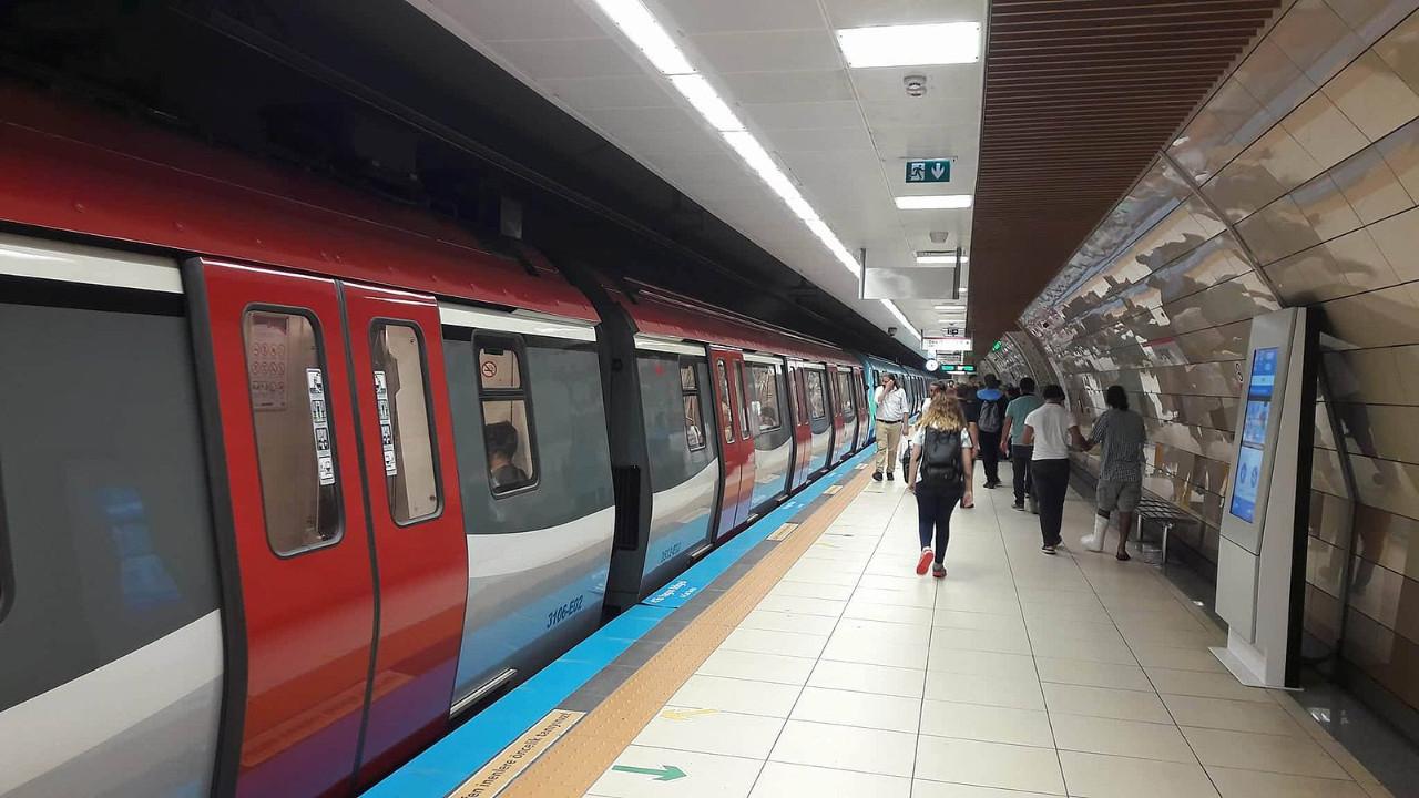 İstanbullular dikkat ! Mecidiyeköy metro istasyonu kapatıldı