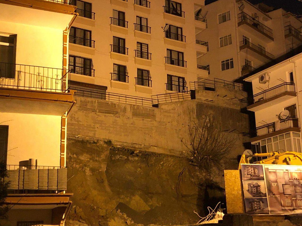 Ankara'da kabus gecesi! 21 bina boşaltıldı; geceyi sokakta geçirdiler! - Resim: 3