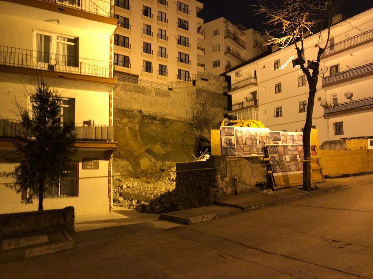 Ankara'da kabus gecesi! 21 bina boşaltıldı; geceyi sokakta geçirdiler! - Resim: 4