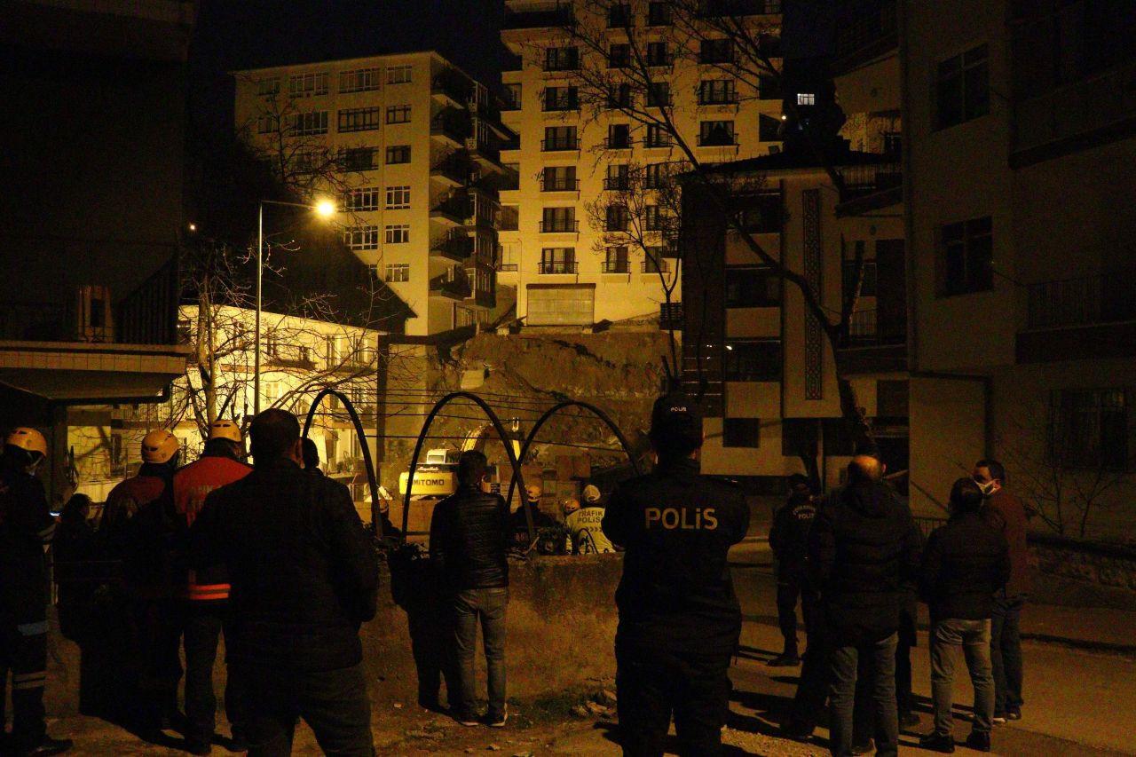 Ankara'da kabus gecesi! 21 bina boşaltıldı; geceyi sokakta geçirdiler! - Resim: 2