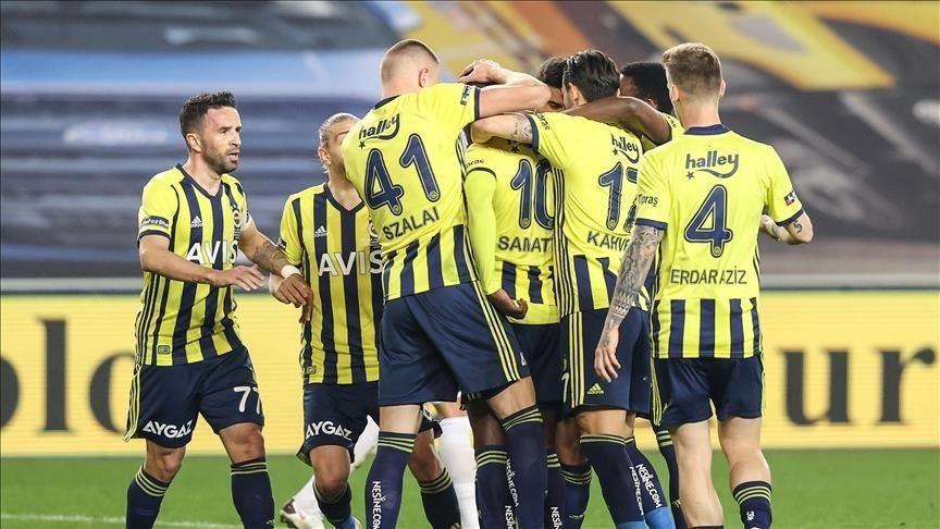 Fenerbahçe 10 futbolcunun bileti kesildi - Resim: 3