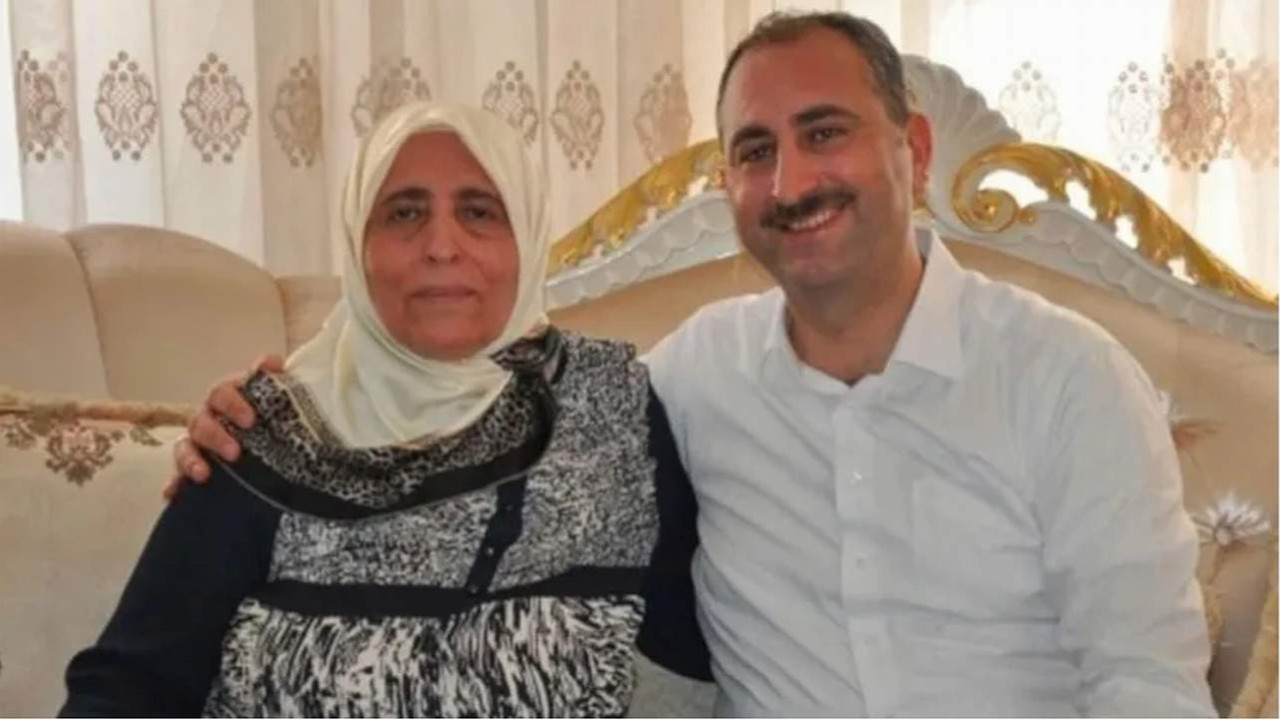 Adalet Bakanı Gül'ün annesi koronavirüsten vefat etti