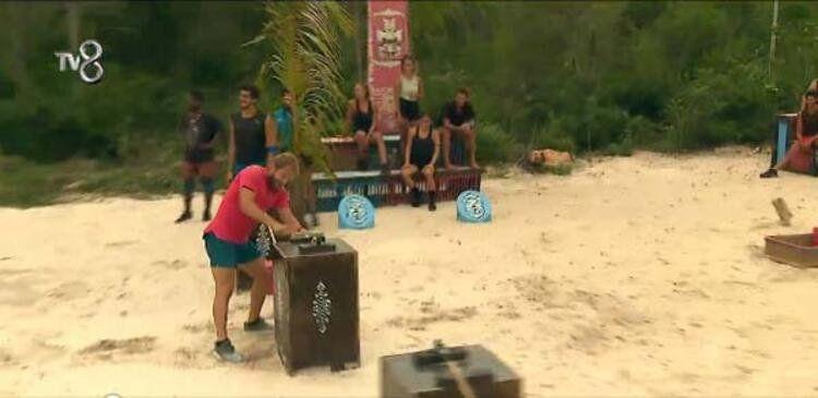 Survivor'da ikinci eleme adayı belli oldu! - Resim: 4