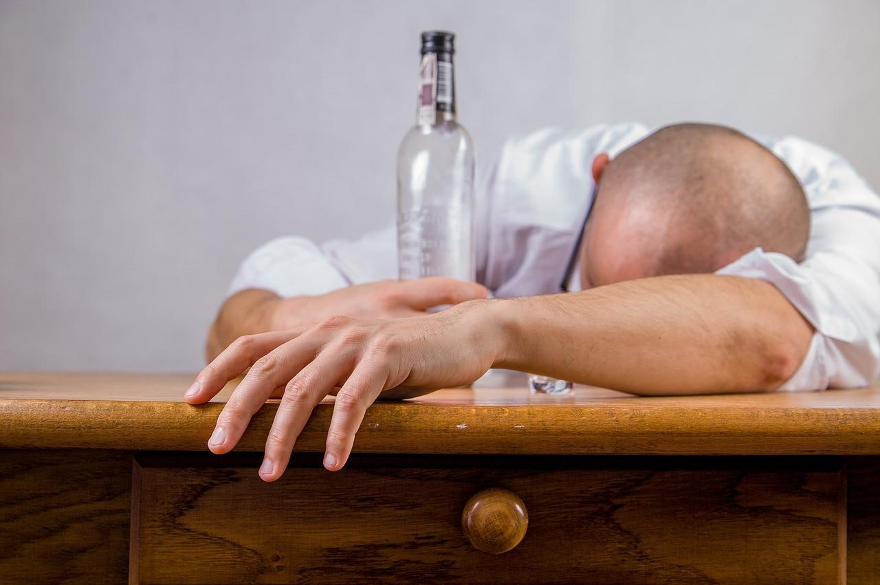 Sahte içkiyle ilgili emsal karar: Cinayetten ceza verildi!