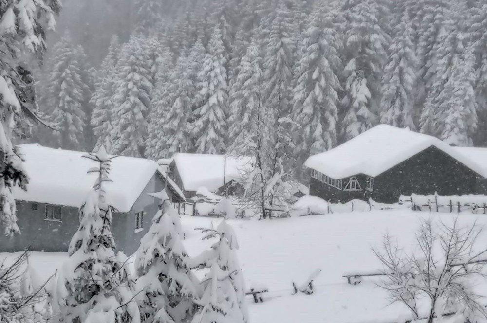 Nisan ayında şaşkına çeviren kar yağışı! 120 santimetreye ulaştı - Resim: 2