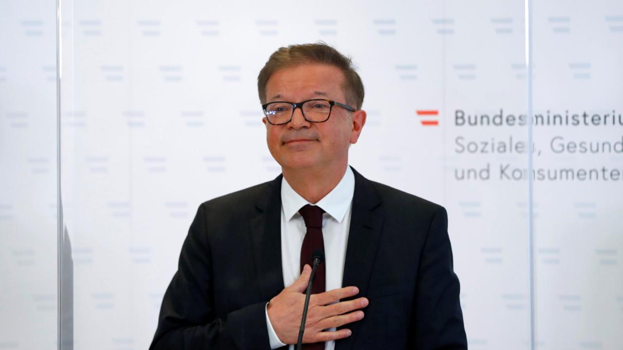 Avusturya Sağlık Bakanı gözyaşlarıyla istifa etti!