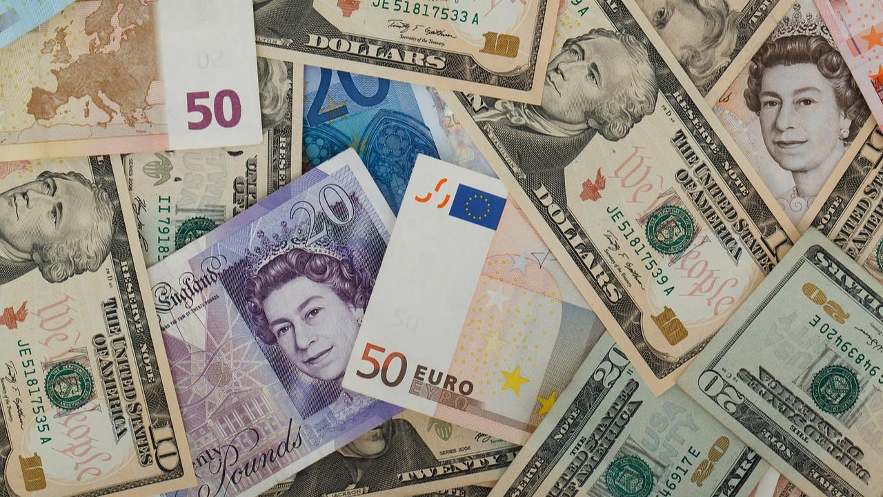 Durmak yok, TL'de değer kaybına devam! Dolar, Euro ve Altın zirvede!